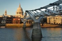 Milleniums-Bridge-ulrike-unterbruner